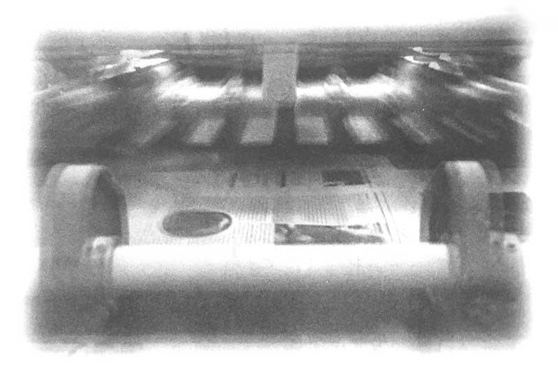 全速运转中的海德堡8色胶印机